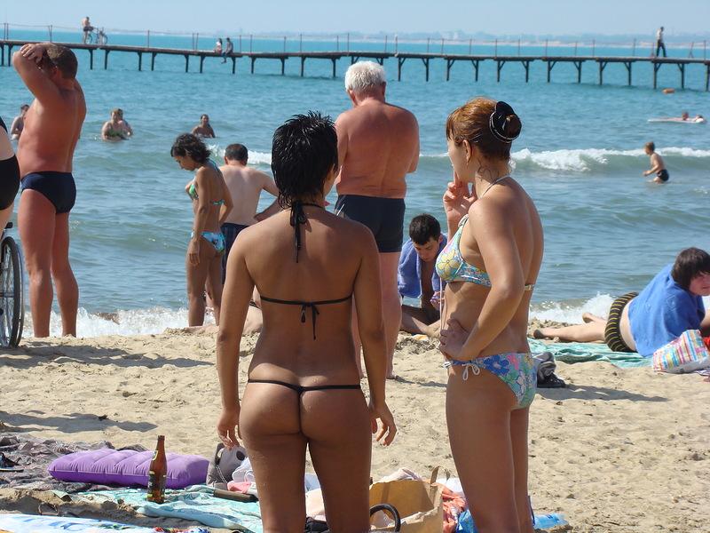 Ролики девушка сосёт на пляже в анапе 24 фотография